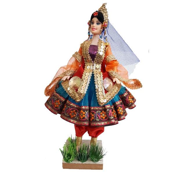 عروسک سنتی دخت کنار بوته