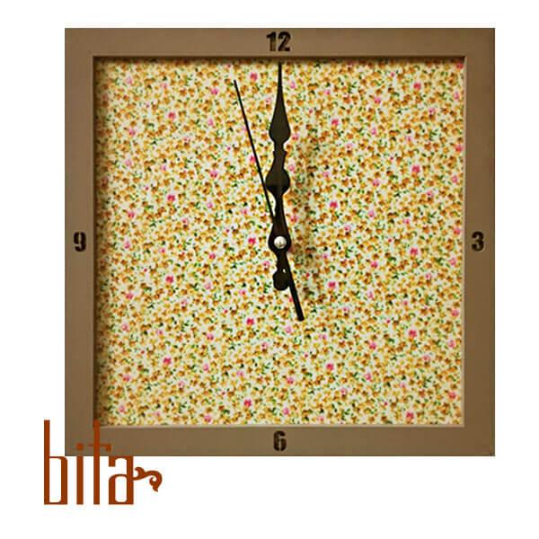 ساعت دیواری مربع شکل