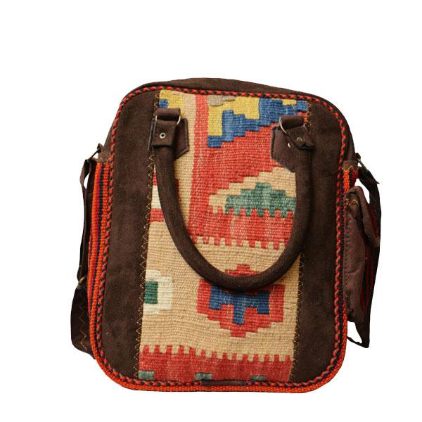 کیف گلیمی عمودی با رنگهای ملایم